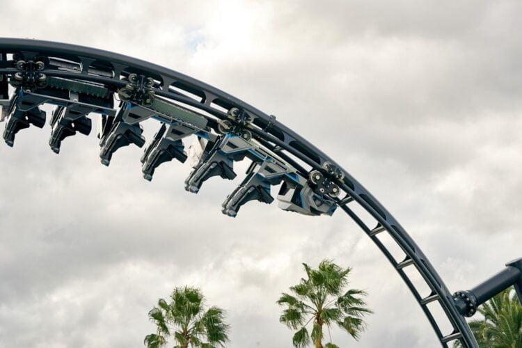 Jurassic World VelociCoaster: Eröffnugn der Achterbahn angekündigt