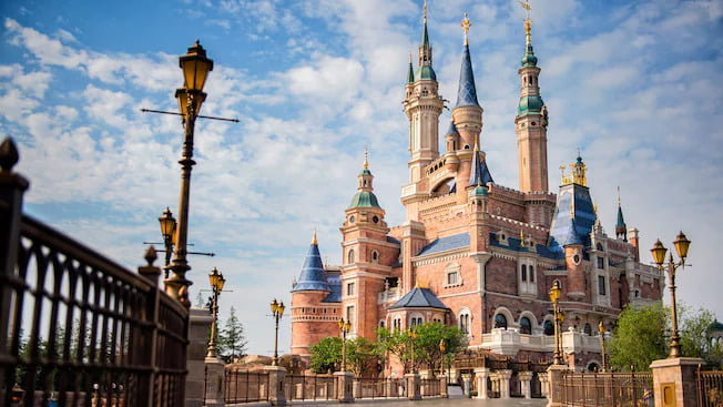 Enchanted-Storybook-Schloss im Shanghai Disneyland